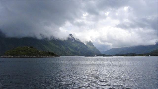 De Vesteralen zijn groener dan de Lofoten, hoewel deze foto niet zoveel groen laat zien